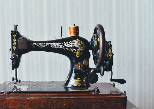 Best Sewing Machines Brands Review Guide December 40 Inspiration Sewing Machine Needle Brands